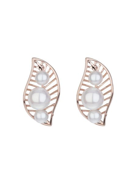 Mikey Leaf design pearl stud earring
