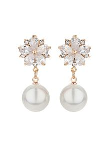 Mikey Spread flower design pearl earring