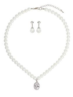 Oval Crystal Pendant Pearl Necklace Set