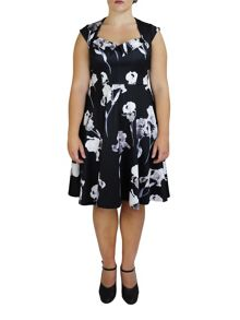 Feverfish Monochrome Flower Print Flared Dress