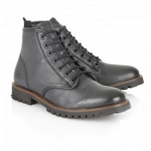Tidy lace-up ankle boots