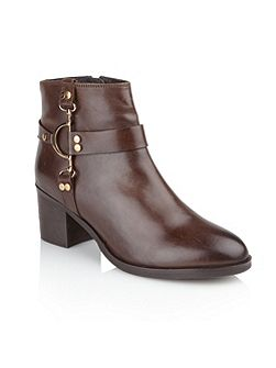 Bakersfield ankle boots