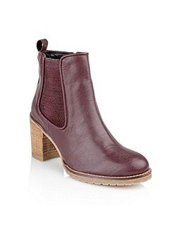 Newark ankle boots