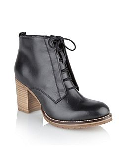 Toronto ankle boots