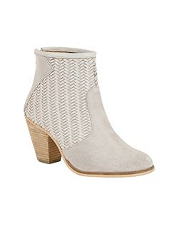 Queensbury high block heeled boots