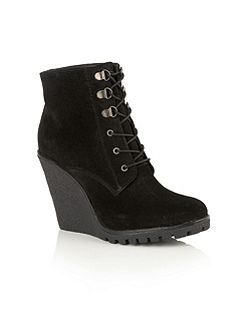 Trinity ankle boots