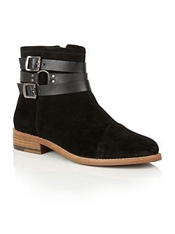 Roseburg ankle boots