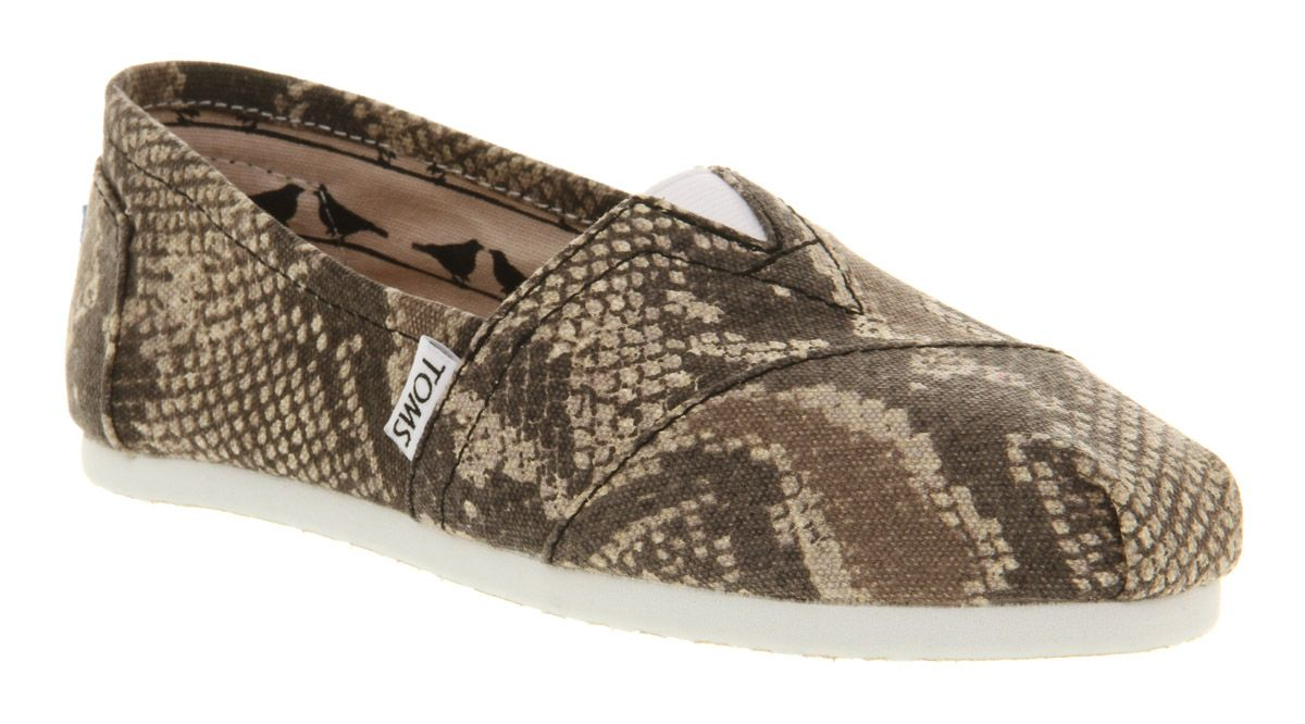 Classic slip on espadrille shoes