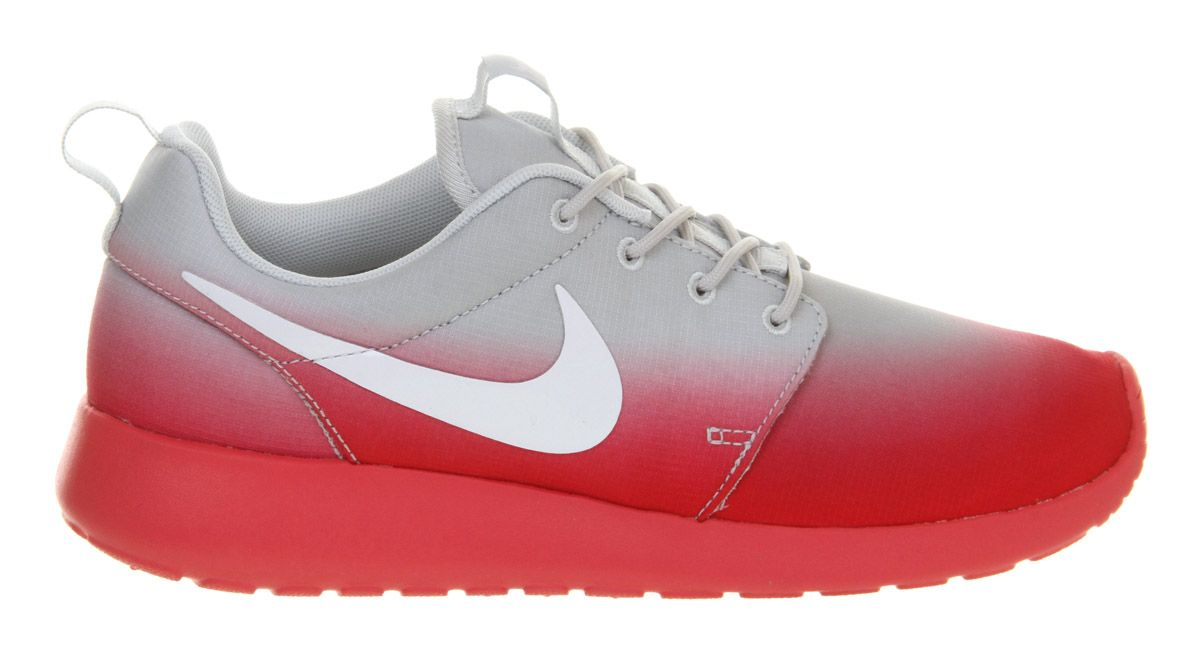 Roshe run trainers
