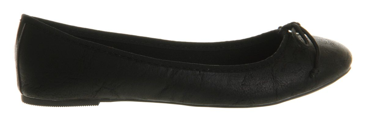 Karmen round toe flat slip-on ballerina shoes