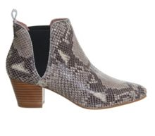 Coolcat almond toe chelsea boots