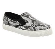 Kicker slip on pumps