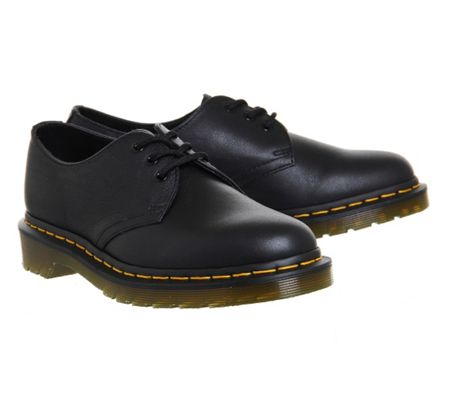 Dr. Martens 3 eyelet shoes