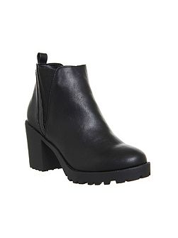 Limit chunky chelsea boots
