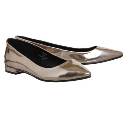 Office Peach point pumps