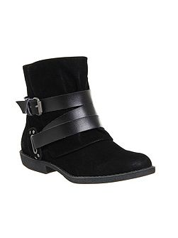Alias buckle boots