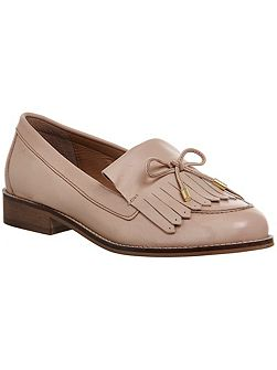 Filtered tassel and bow trim loafers