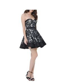 Sweetheart bandeau party dress