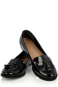 Patent tassle loafers