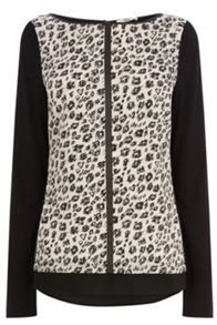 Smudge print woven front top