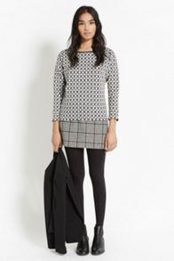 Grid check sweater