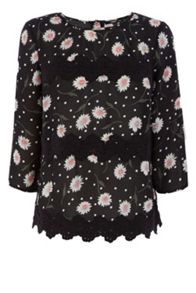 Daisy lace trim top