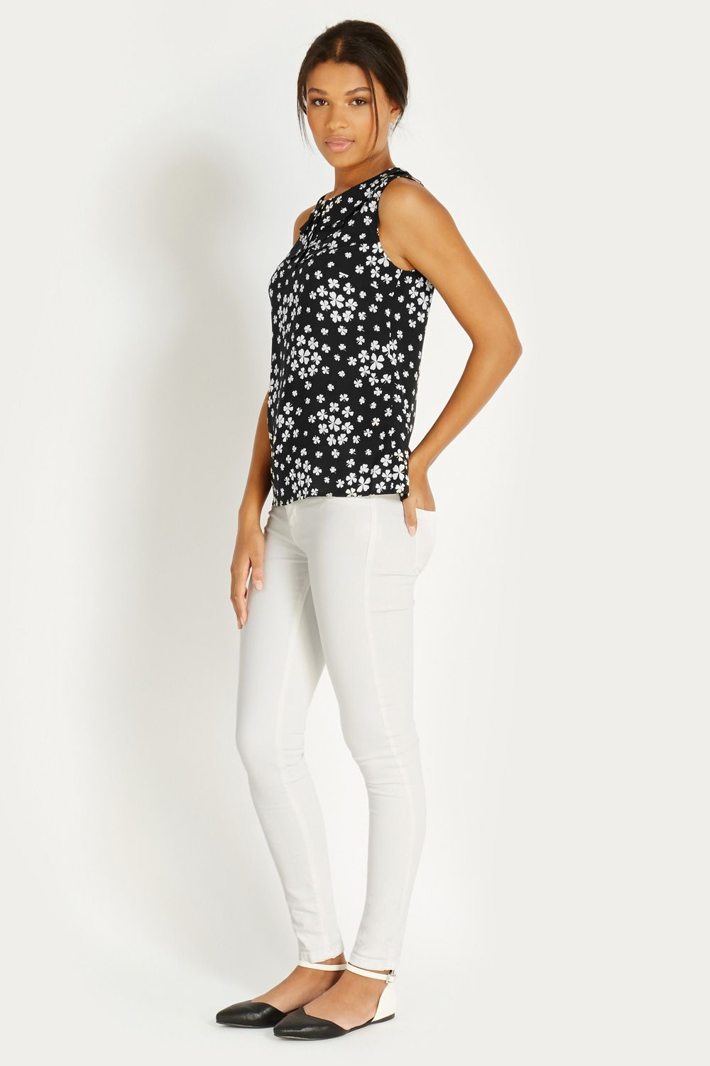 Scattered Clover Viscose Top