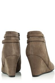 Oasis Mia Wedge Boot
