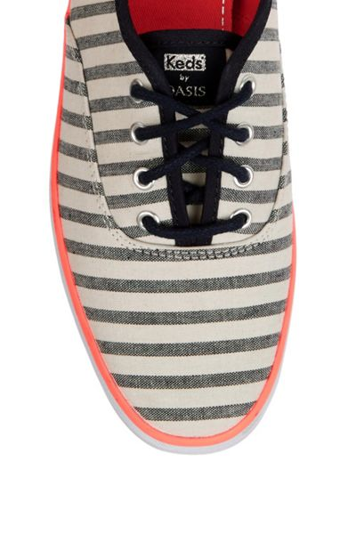 Oasis Stripe Lace Up Trainer