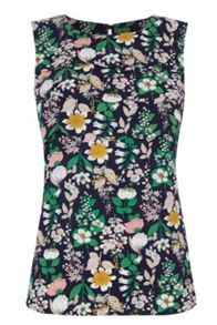 Oasis Edie Floral Scallop Shell Top