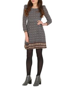 TENKI Quarter Sleeve Geo Print Dress
