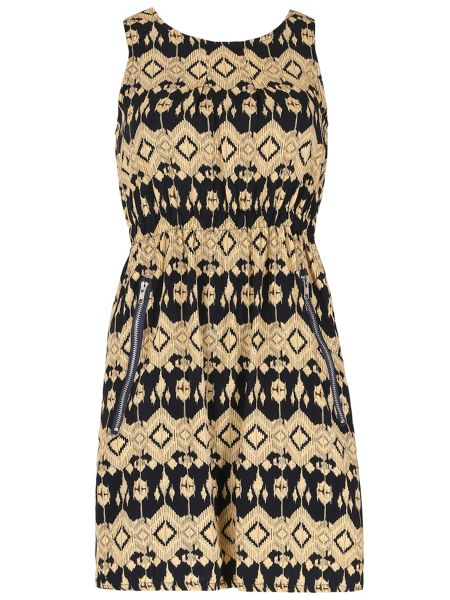 TENKI Round Neck Patterned Dress