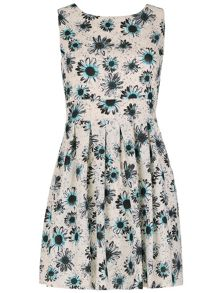 TENKI Daisy Print Flare Skirt Dress