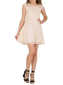TENKI Cap Sleeved Lace Dress