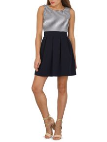 TENKI Sleeveless Two Tone Skater Dress