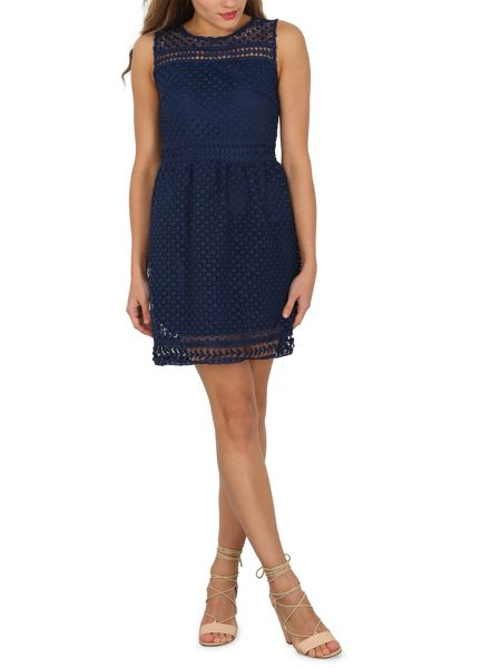 TENKI Sleeveless Patterned Lace Dress