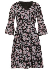 TENKI 3/4 Sleeve Floral Print Ruffle Dress