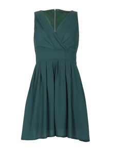 TENKI V-Neck Pleated Plain Skater Dress