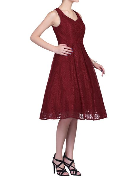 Jolie Moi Sweetheart Pleated Lace Dress