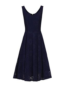 Sweetheart Neck Lace Dress
