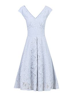 Sweetheart Neckline 50s Lace Dress