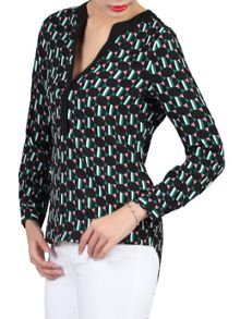 Jolie Moi Geometric Printed V Neck Blouse