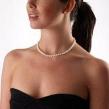 White small pearl necklace