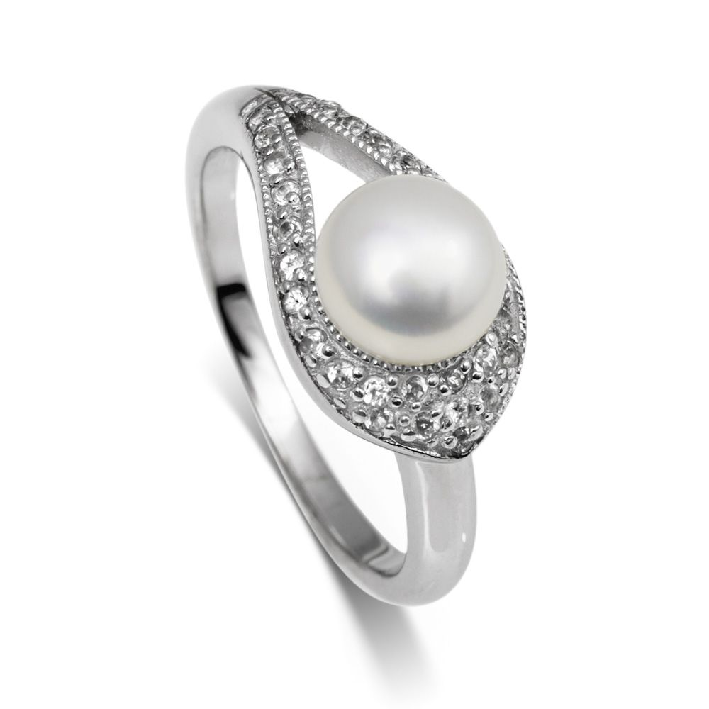 White topaz and pearl ring