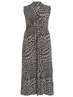 Plus Size Graphic Print Monochrome Maxi Dress