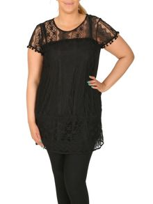 Samya Plus Size Lace Tunic Top With Trim