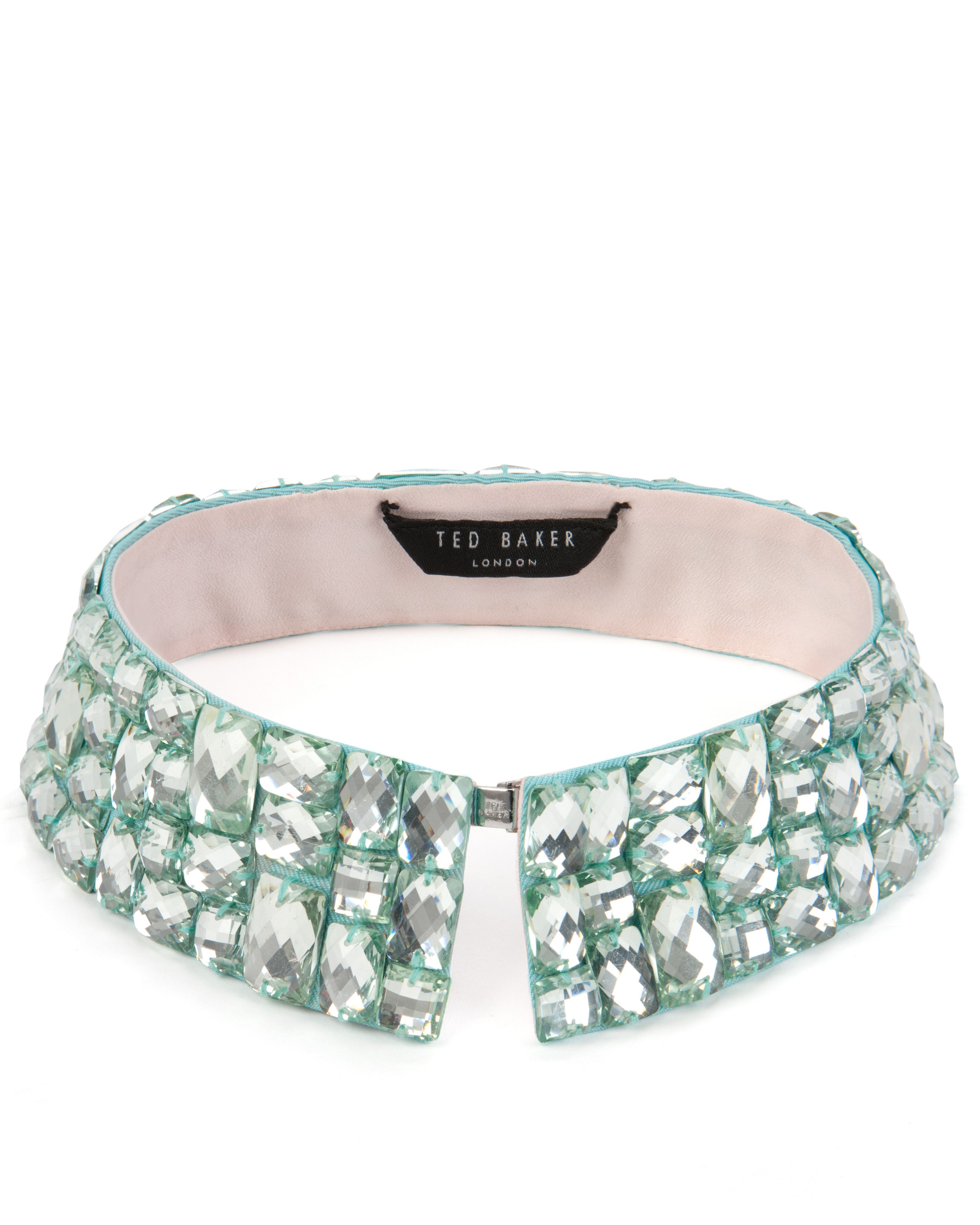 Threed beaded collar