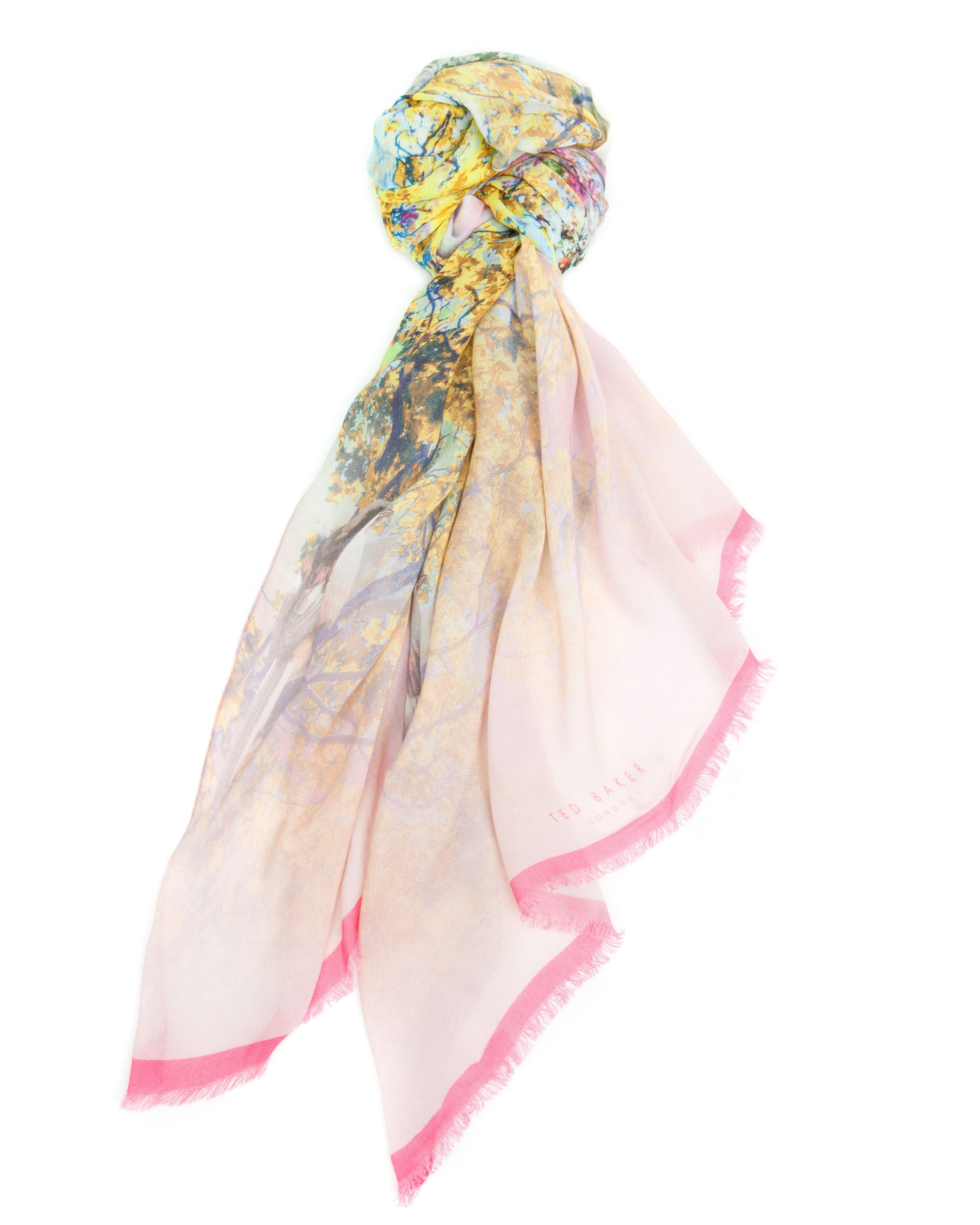Eich pretty trees scarf