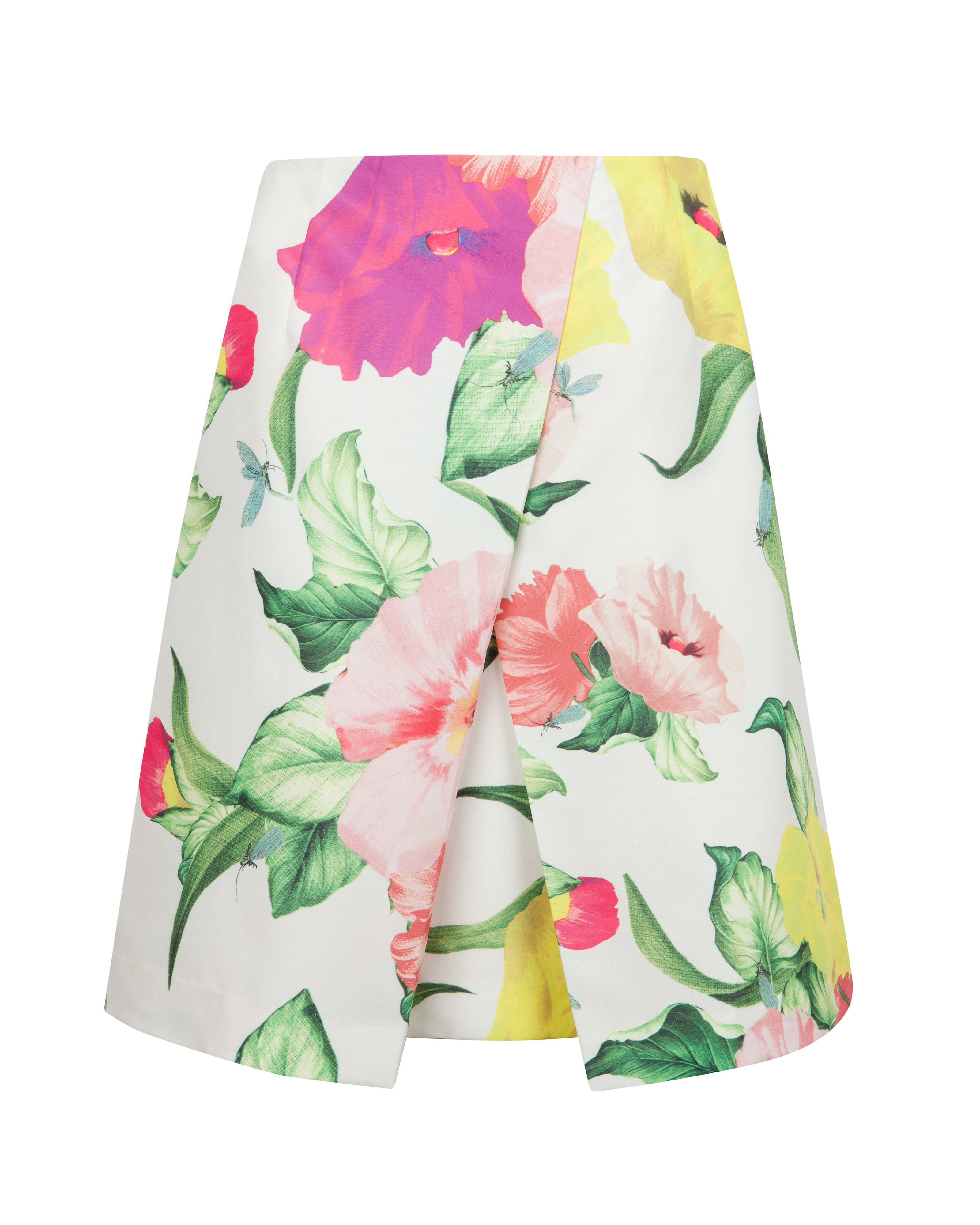 Isabeli flowers at high tea skirt