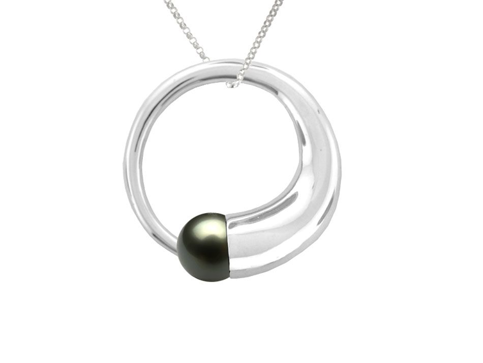 Round Freshwater Pearl Fancy Necklace